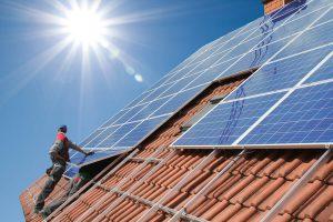 Montaż paneli fotowoltaicznych - gdzie najlepiej umieścić instalację?