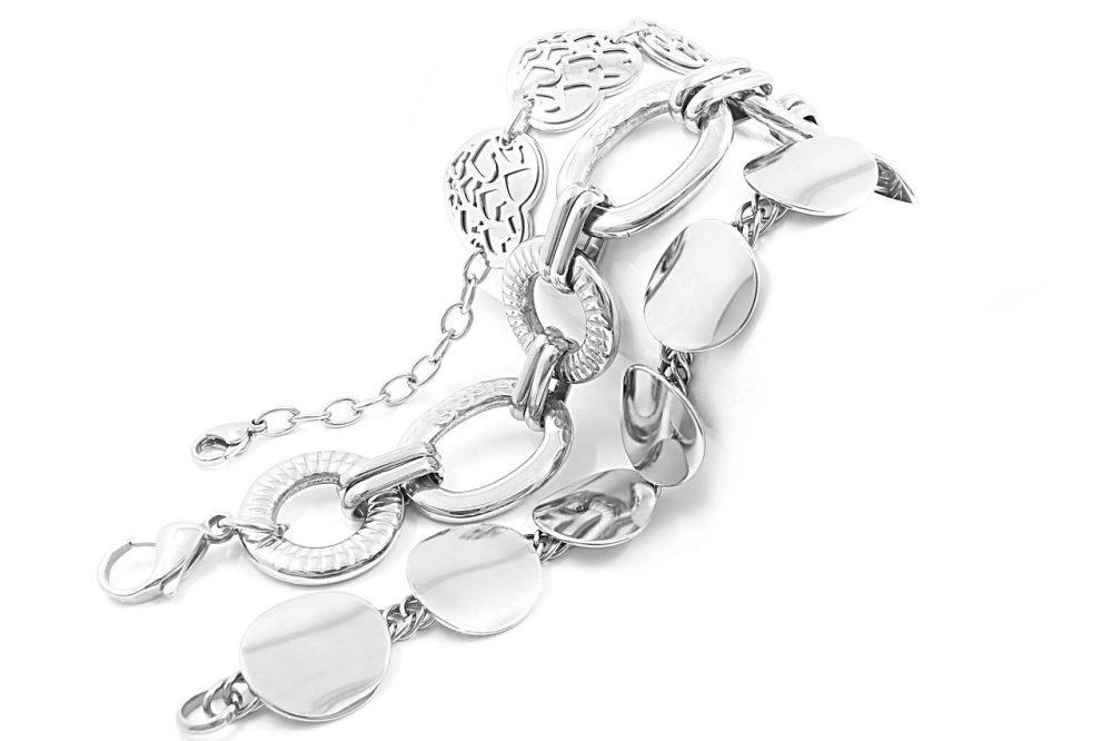 Jak wybrać odpowiednią biżuterię srebrną na prezent?